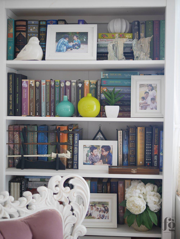 Styling A Bookshelf Full Of Books Fancy Girl Designs